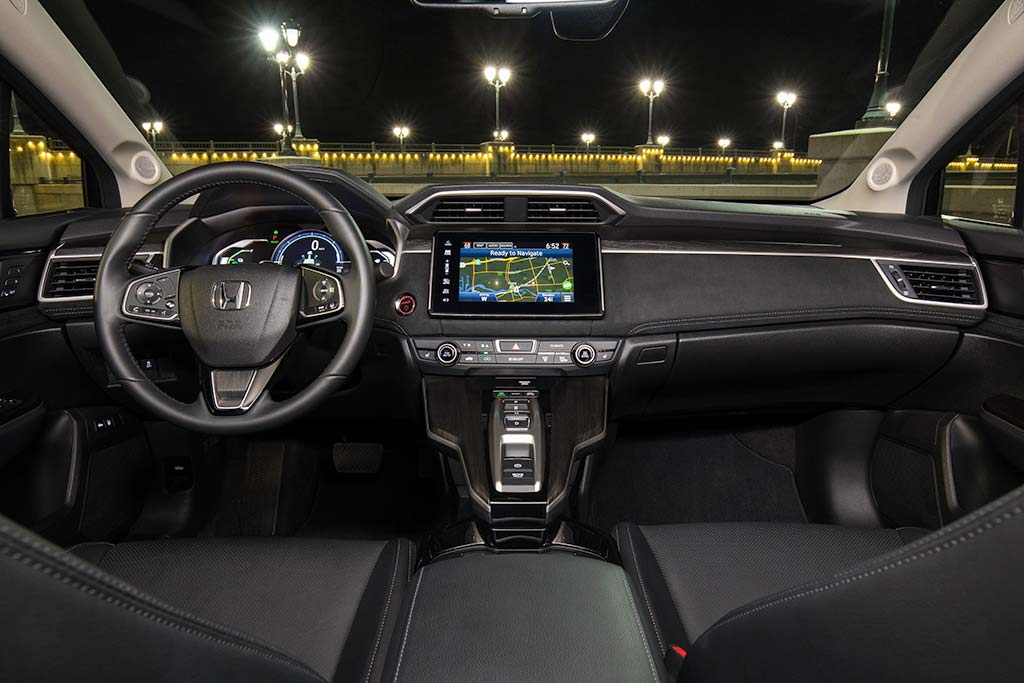 2020 Honda Clarity Review featured image large thumb3