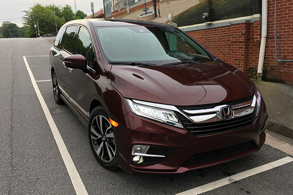2018 Honda Odyssey Ownership: Usefulness Above All featured image large thumb5