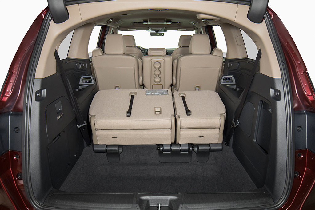 2019 Honda Odyssey Review And Release Date >> 2019 Honda Odyssey New Car Review Autotrader