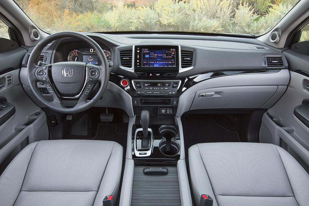 2019 Honda Ridgeline: New Car Review featured image large thumb1