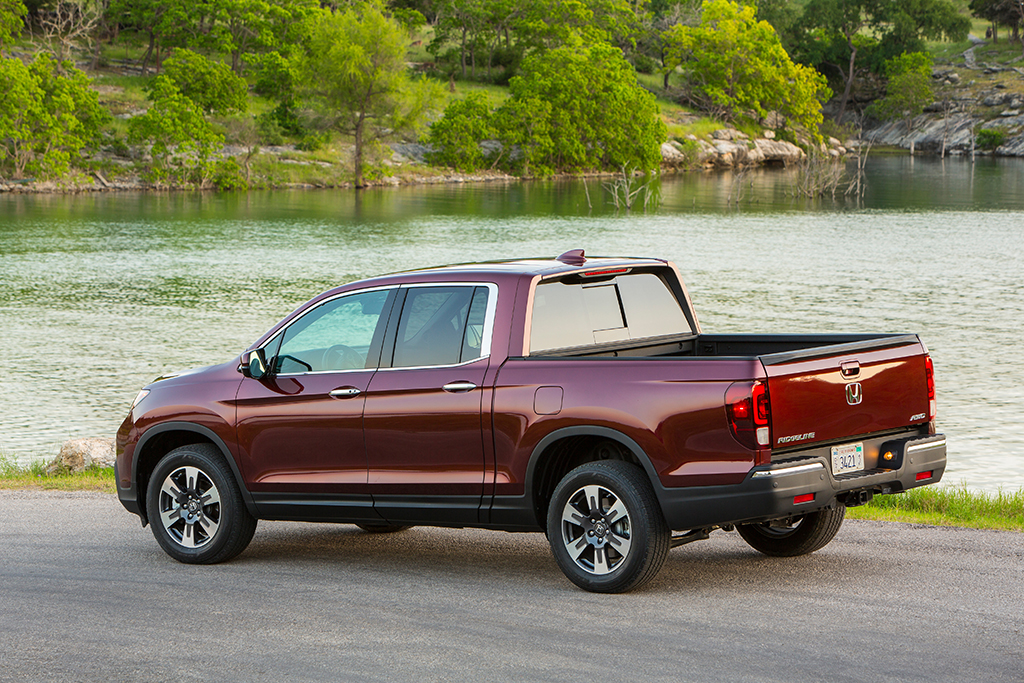 2019 Honda Ridgeline: New Car Review featured image large thumb3