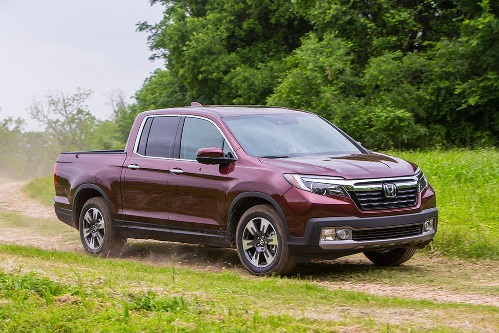 2019 Honda Ridgeline: New Car Review featured image large thumb0