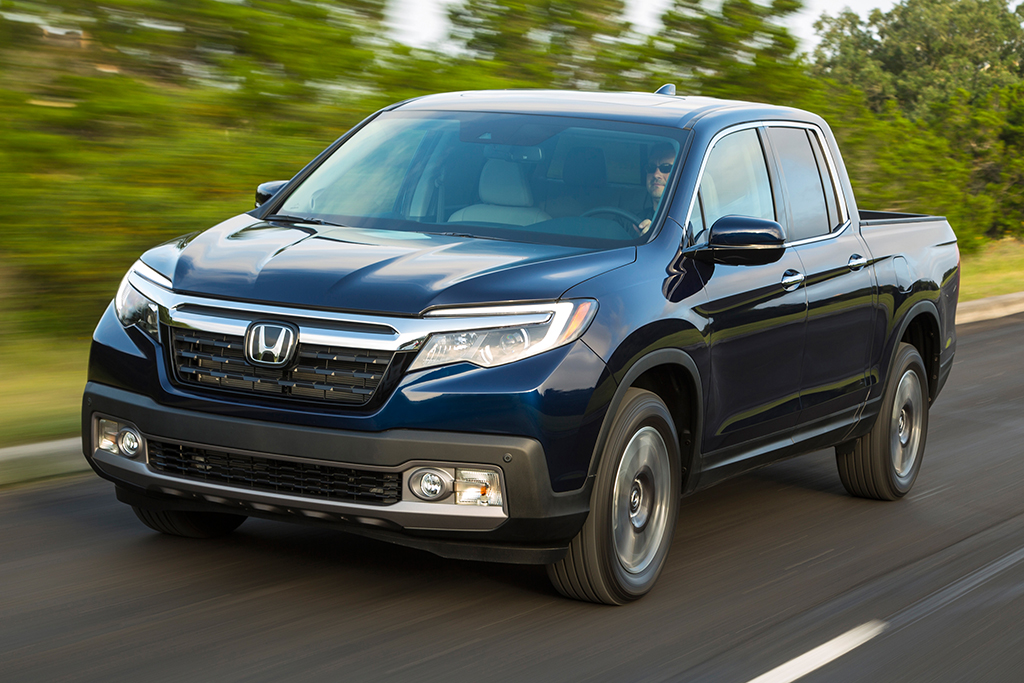 2019 Honda Ridgeline: New Car Review featured image large thumb6