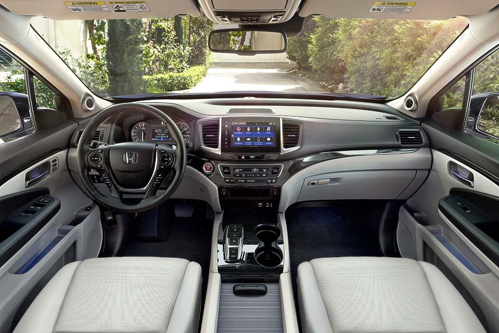 2020 Honda Ridgeline Review featured image large thumb3