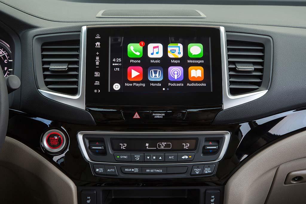 2020 Honda Ridgeline Review featured image large thumb5