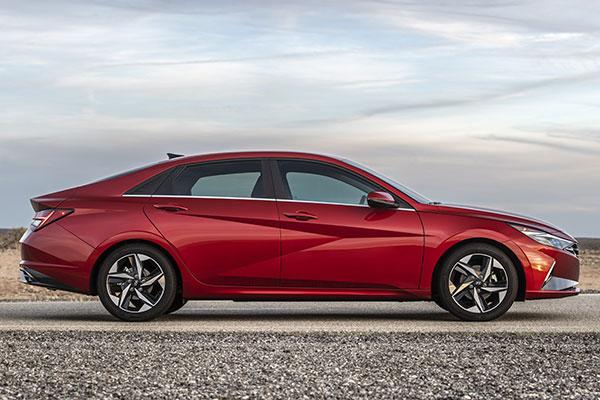 2021 Hyundai Elantra: First Look featured image large thumb8