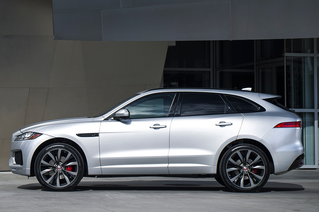 2019 Jaguar F-PACE: New Car Review featured image large thumb3