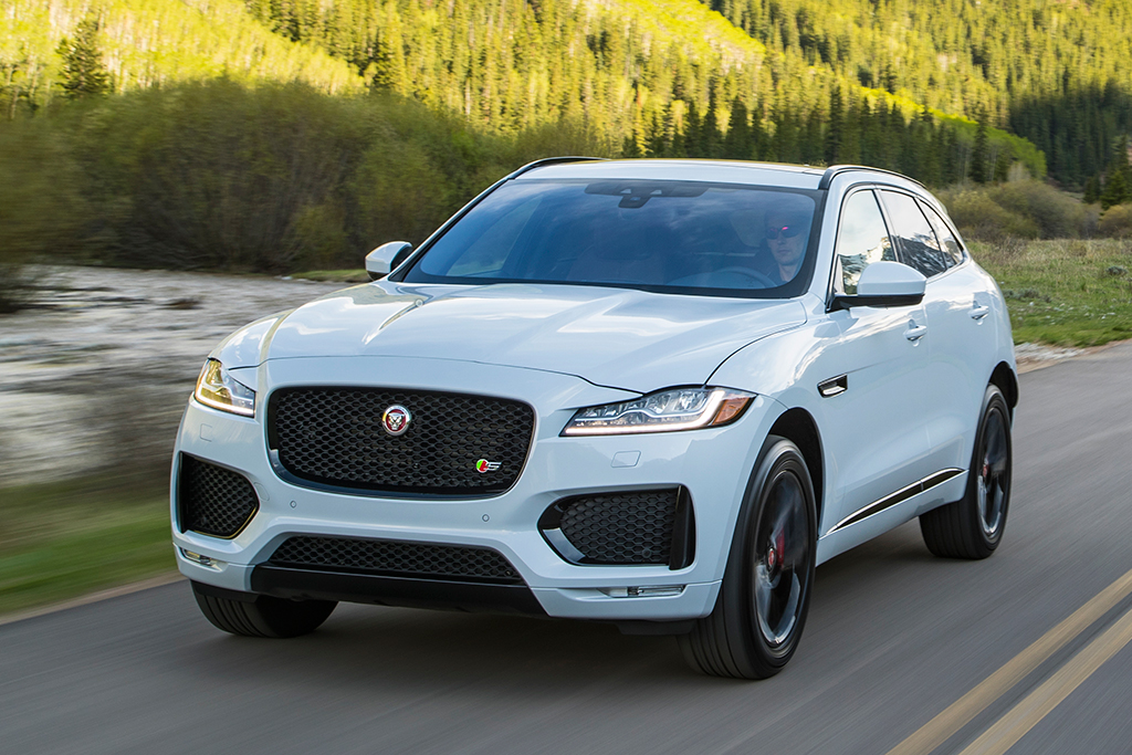 Jaguar Suv F Pace >> 2019 Jaguar F Pace New Car Review Autotrader