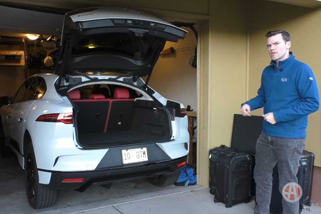 Video | 2019 Jaguar I-PACE: How Much Fits in the Trunk? featured image large thumb1