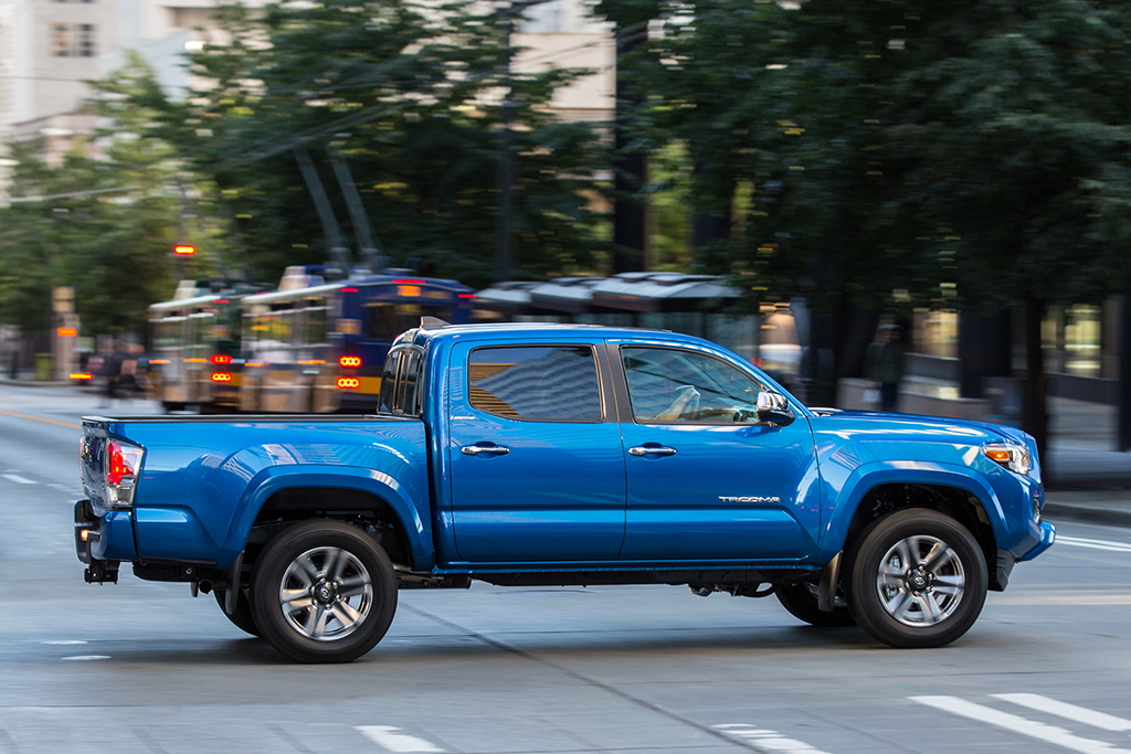 2018 Toyota Tacoma Vs 2018 Toyota Hilux What S The