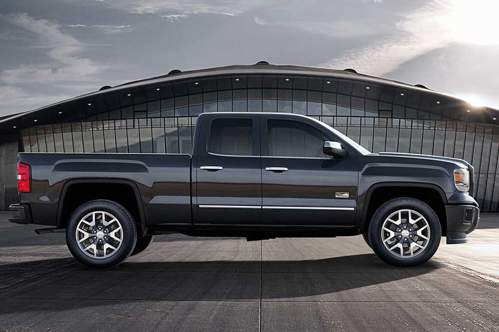 2018 GMC Sierra vs. 2019 GMC Sierra: What's the Difference? featured image large thumb5