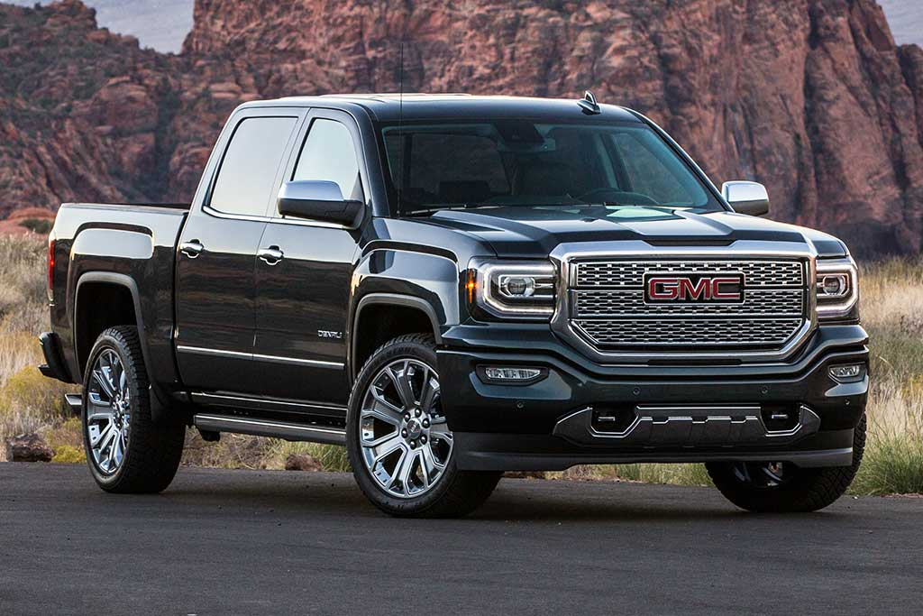 2018 GMC Sierra vs. 2019 GMC Sierra: What's the Difference? featured image large thumb1