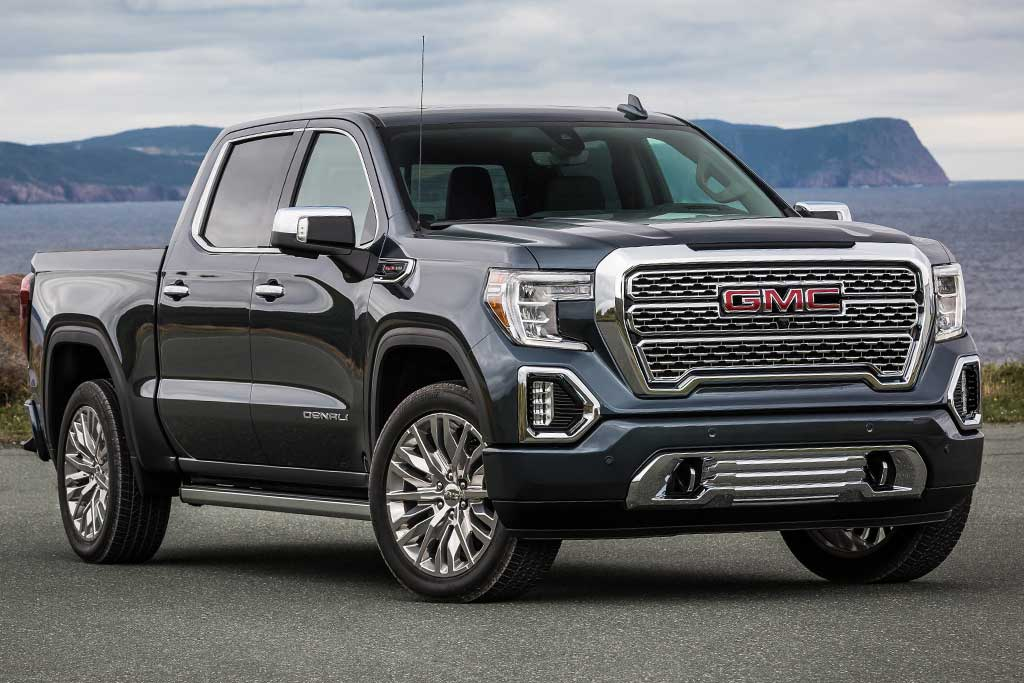 2018 GMC Sierra vs. 2019 GMC Sierra: What's the Difference? featured image large thumb2