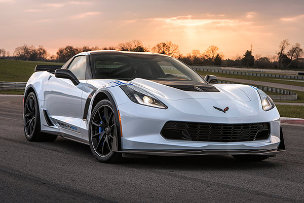 2019 Ford Mustang vs. 2019 Chevrolet Corvette: Which Is Better? featured image large thumb2