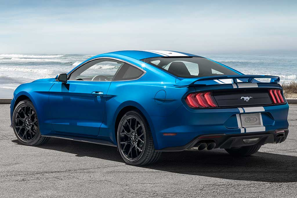 2019 Ford Mustang vs. 2019 Dodge Challenger: Which Is Better? featured image large thumb5