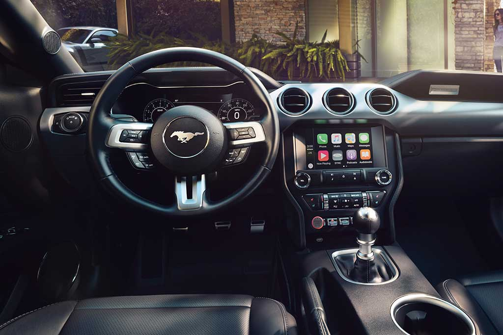 Dodge Challenger Interior >> 2019 Ford Mustang Vs 2019 Dodge Challenger Which Is Better