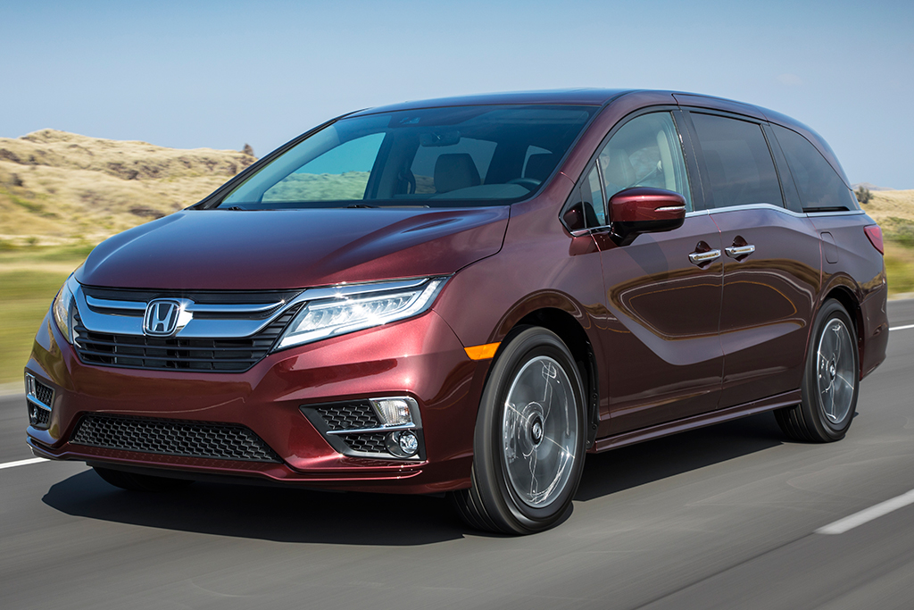 2019 Honda Odyssey vs. 2019 Toyota Sienna: Which Is Better? featured image large thumb1