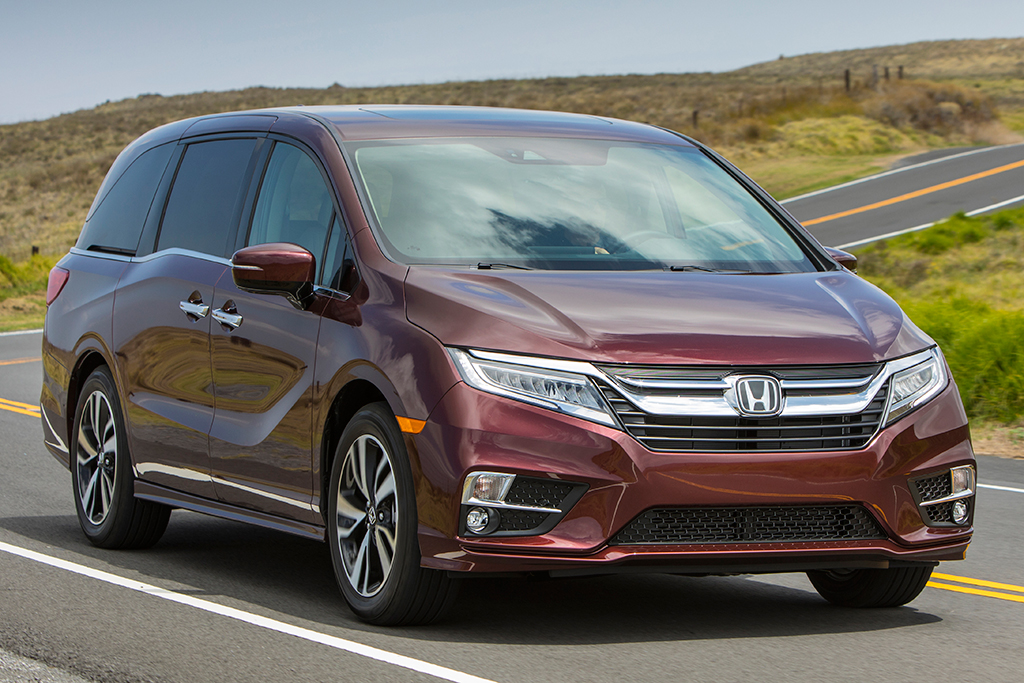 2019 Honda Odyssey Vs Toyota Sienna Which Is Better Featured Image Large