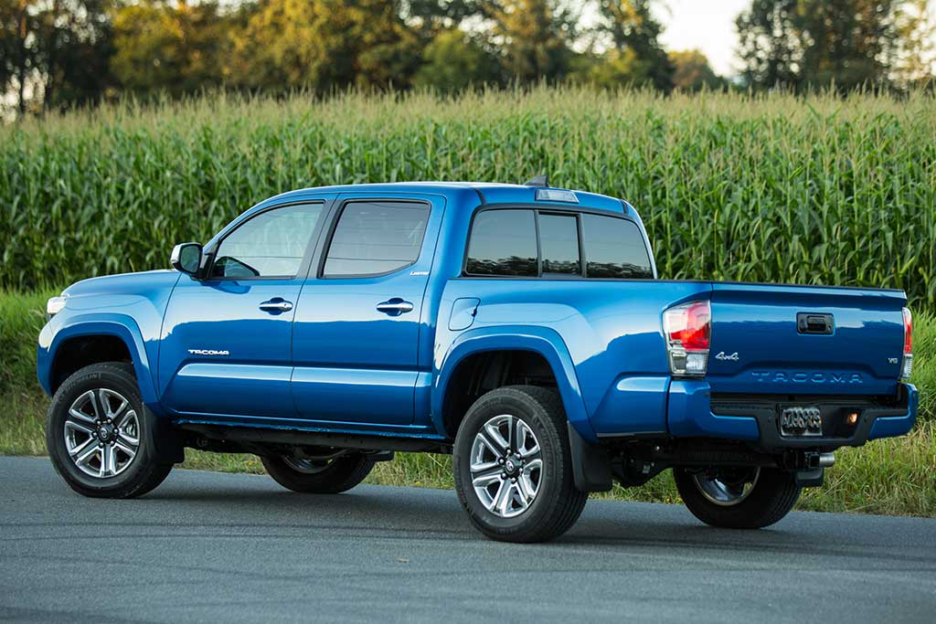 2019 Toyota Tacoma vs. 2019 Nissan Frontier: Which Is Better? featured image large thumb6