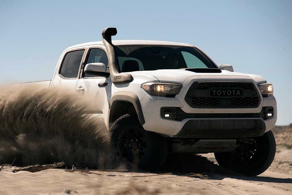 2019 Toyota Tacoma vs. 2019 Nissan Frontier: Which Is Better? featured image large thumb4