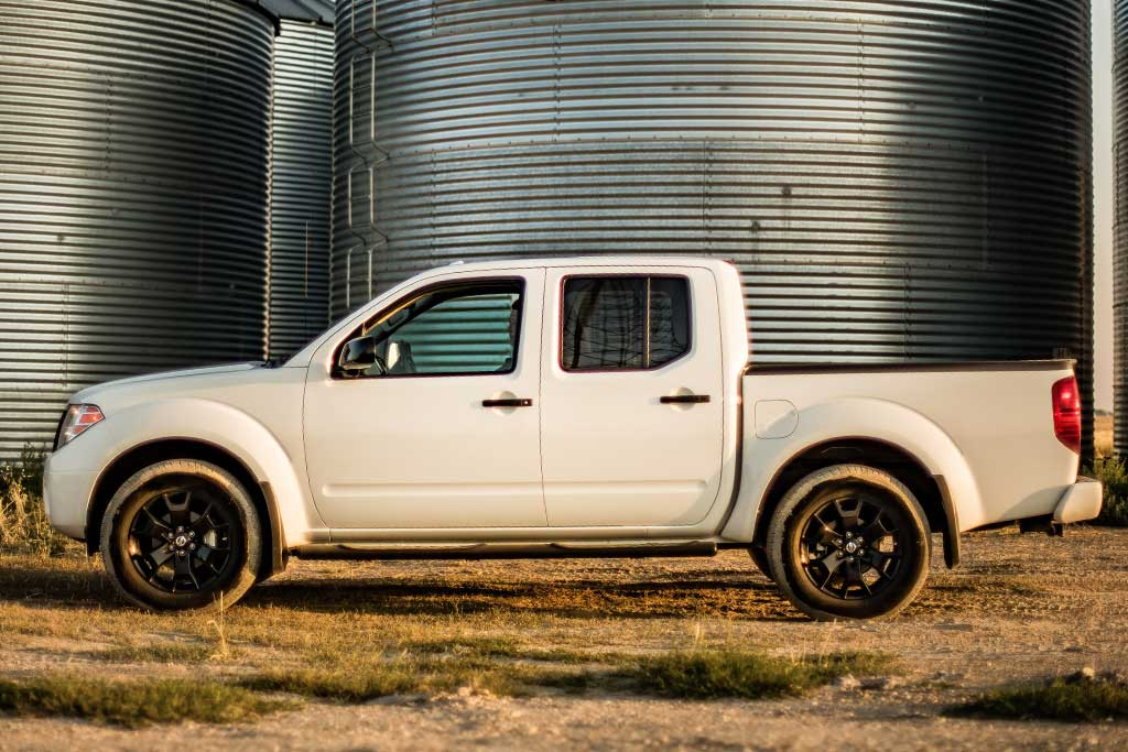 2019 Toyota Tacoma vs. 2019 Nissan Frontier: Which Is Better? featured image large thumb10