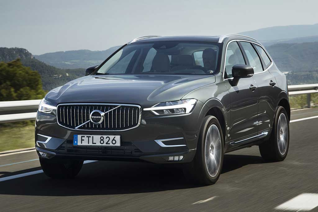 2019 Volvo XC40 vs. 2019 Volvo XC60: What's the Difference? featured image large thumb6