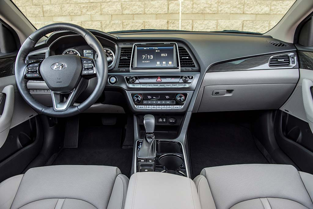 2019 vs. 2020 Hyundai Sonata: What's the Difference? featured image large thumb11
