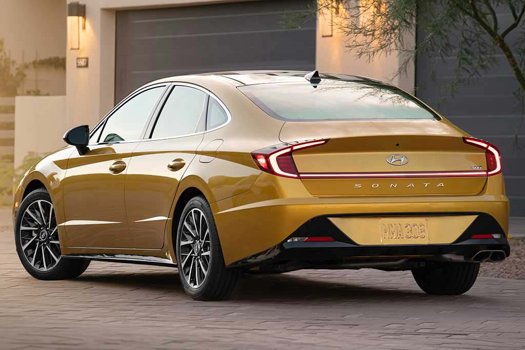 2019 vs. 2020 Hyundai Sonata: What's the Difference? featured image large thumb6
