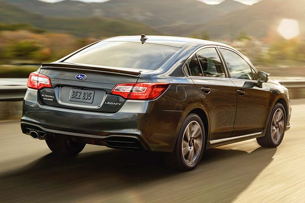 2019 vs. 2020 Subaru Legacy: What's the Difference? featured image large thumb10