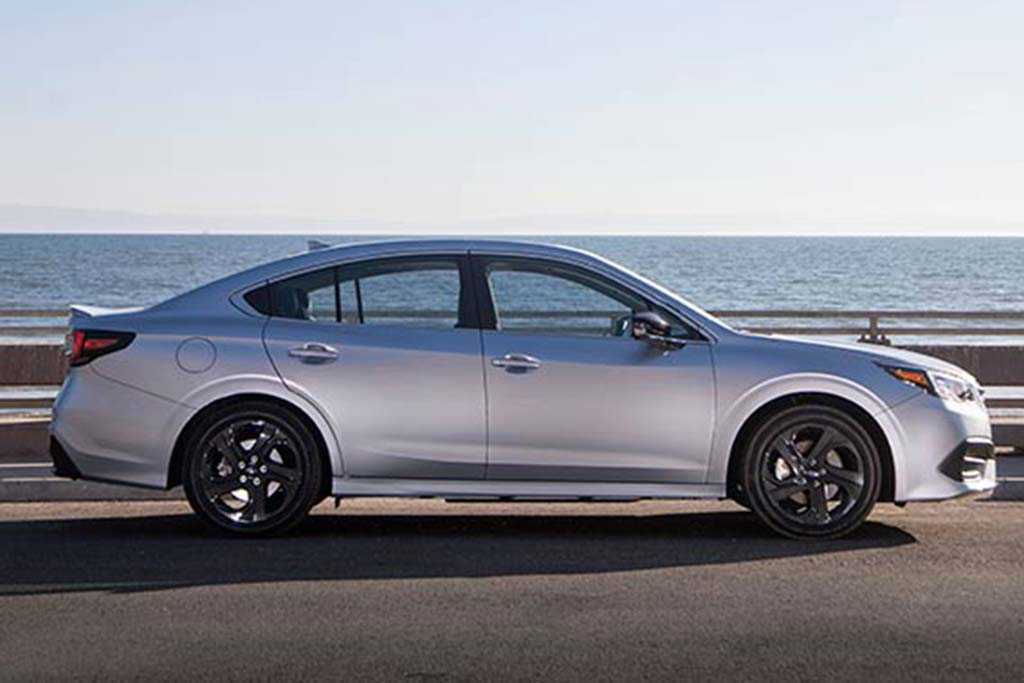 2019 vs. 2020 Subaru Legacy: What's the Difference? featured image large thumb3
