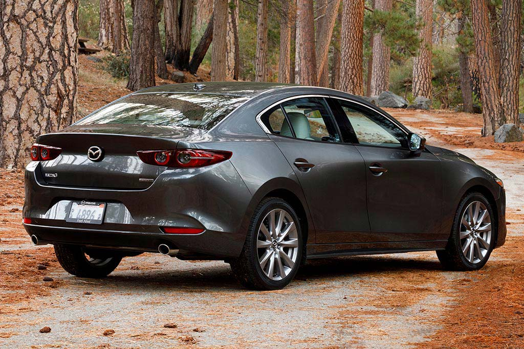 2020 Honda Civic vs. 2020 Mazda3: Which Is Better? featured image large thumb6