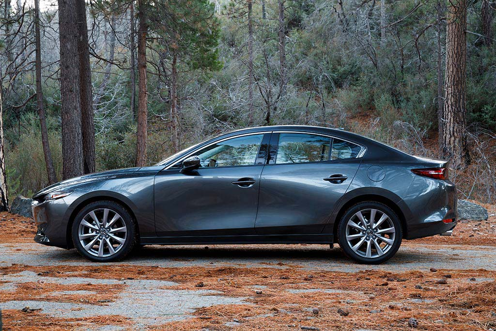 2020 Honda Civic vs. 2020 Mazda3: Which Is Better? featured image large thumb12