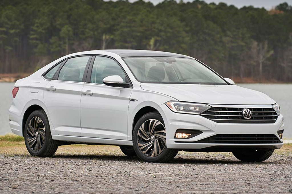 2020 Honda Civic vs. 2020 Volkswagen Jetta: Which Is Better? featured image large thumb2