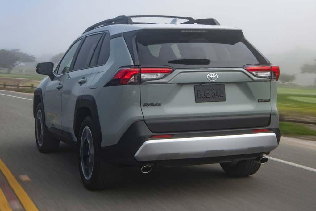 2020 Toyota RAV4 vs. 2020 Mazda CX-5: Which Is Better? featured image large thumb5