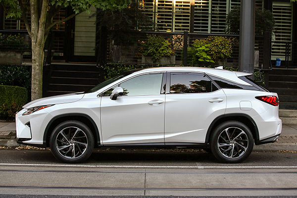 These Are the Best November 2018 SUV Deals featured image large thumb5