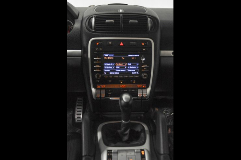 Autotrader Find: Porsche Cayenne GTS Manual featured image large thumb1