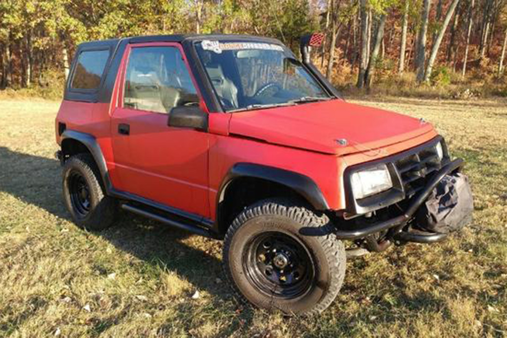 Autotrader Find: 1996 Geo Tracker Off-Roader featured image large thumb0