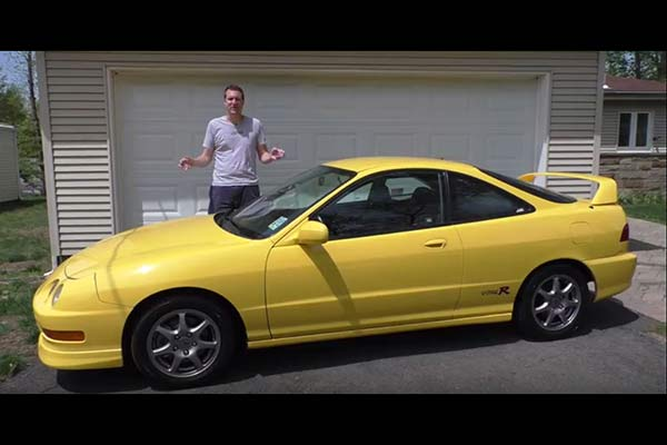 Video   Here's Why the Acura Integra Type-R Is Shooting Up in Value featured image large thumb1
