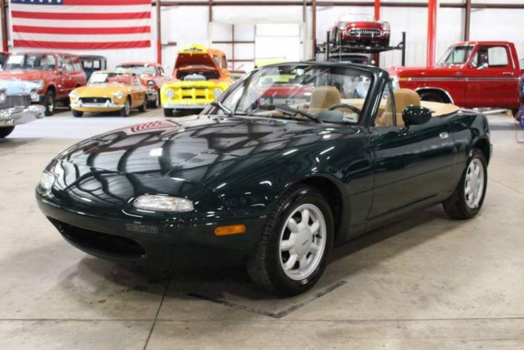 Autotrader Find: 1991 Mazda Miata With 6,600 Miles featured image large thumb0