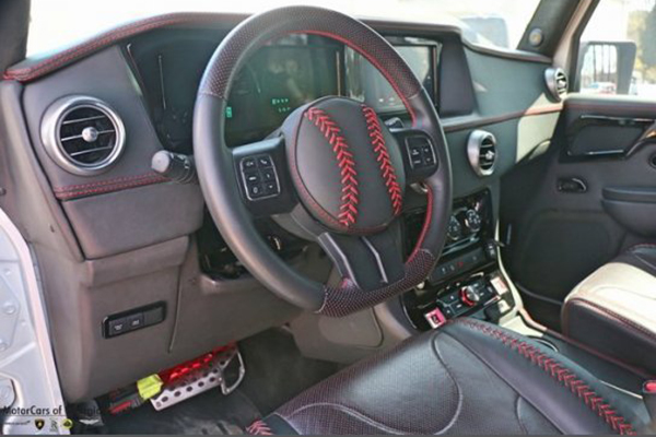 Autotrader Find: 6-Wheel Jeep Wrangler for $270,000 featured image large thumb2