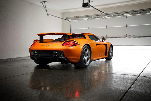 Autotrader Find: Paint to Sample Porsche Carrera GT With 260 Miles featured image large thumb1