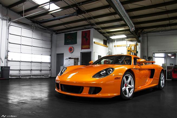 Autotrader Find: Paint to Sample Porsche Carrera GT With 260 Miles featured image large thumb0