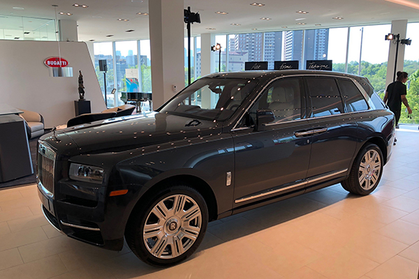 Most Expensive Minivan >> You're Wrong, the Rolls-Royce Cullinan Is Beautiful - Autotrader