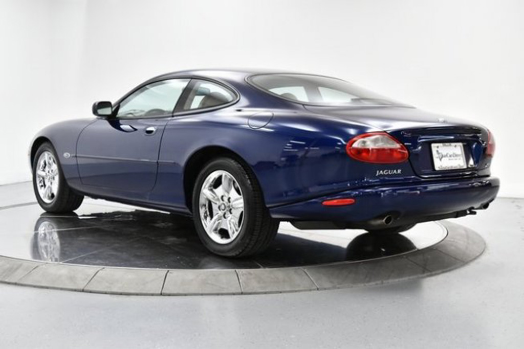 Autotrader Find: 1998 Jaguar XK8 Coupe for $5,999 featured image large thumb0