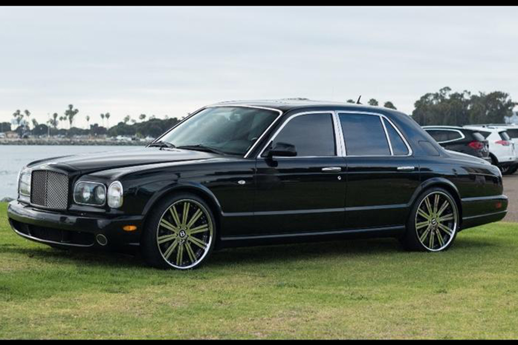 Autotrader Find: 2002 Bentley Arnage T for Under $20,000 featured image large thumb0