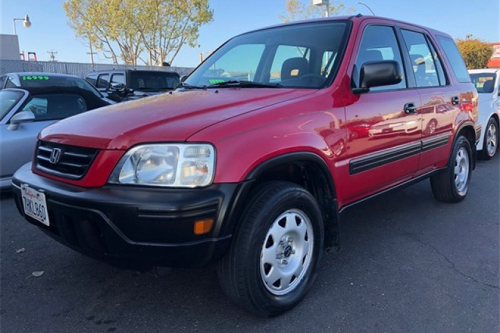 Autotrader Find: Nice 2001 Honda CR-V With a Manual Transmission featured image large thumb0