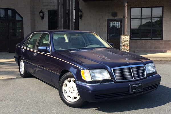 These are the Cheapest Used Luxury Sedans For Sale on Autotrader featured image large thumb0