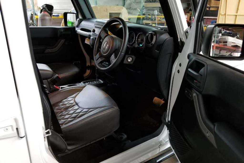 Autotrader Find: Right-Hand Drive 6-Wheeled Jeep Wrangler featured image large thumb1