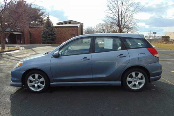 The Toyota Matrix XRS Is an Underappreciated Hot Hatchback featured image large thumb0