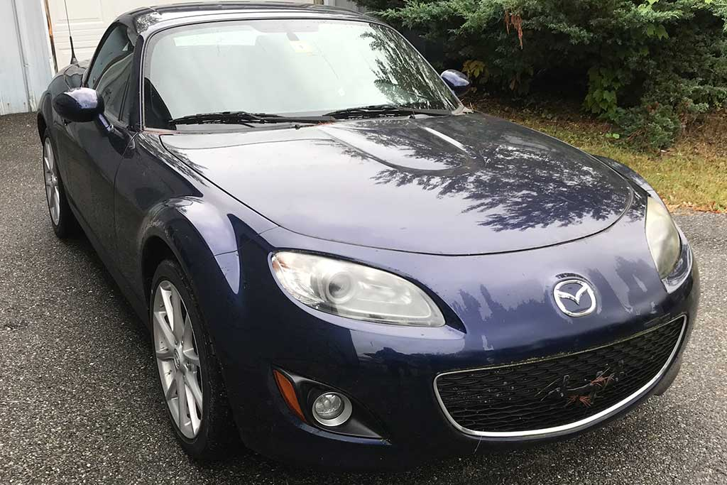 Here's the Story of a 300-Mile 2011 Mazda MX-5 Miata featured image large thumb0